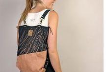 Taschen / Bags & Clutches / Ohne sie gehen wir nicht aus dem Haus! Von den kleinen Helfern (Clutches und Kosmetiktäschchen) bis zu den Platzwundern der Handtasche und Schultertasche. Bereit zum Entdecken?!