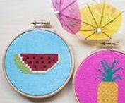 DIY: Sticken / Embroidery / Du willst Sticken lernen? Kein Problem: Hol' Dir auf dieser Pinnwand Sticktipps für Kreuzstich und Co., tolle Ideen für Stickmotive, Stickvorlagen und allerhand Inspiration für Nadel, Garn und Stickrahmen.