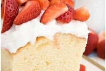 Cakes and Cupcakes / Delicious cake and cupcake recipes plus beautiful cake decorating ideas and tutorials.