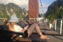 Vietnam / Direct na aankomst voel je het: de hectiek, de levenslust en de warmte. Welkom in Hanoi, welkom in Vietnam. Het is een land met een communistisch verleden en dat merk je overal. Zelfs je boot in Bai Tu Long Bay – nét even wat minder toeristisch en net zo mooi als Halong Bay – is versierd met rode vlaggen. Bouw je individuele Vietnam-reis op www.vietnamonline.nl.