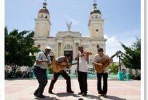 Cuba / Een eiland waar de tijd stil lijkt te hebben gestaan, zo mag je Cuba met recht omschrijven. Wie wil ontsnappen aan het tijdperk van smartphones en social media, zal zijn hart ophalen tijdens een Cuba-rondreis. Koloniale gebouwen, oldtimers en paard en wagen domineren het straatbeeld. We nemen je graag mee op een individuele rondreis. Kijk op www.cubaonline.nl voor meer reisinspiratie.