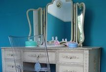 HOME : Dressing Tables / Beautiful dressing tables, mostly vintage but some modern too. / by A Thrifty Mrs