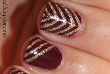 Christmas Holiday Nails / Fun nail ideas for Christmas