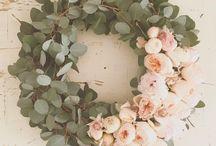 Wreaths / Lovely wreaths for the front door - seasonal and evergreen varieties