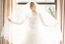 White Wedding / Wit is de trouwkleur bij uitstek! Maar het hoeft natuurlijk niet alleen voor de bruidsjurk gebruikt te worden, ook als decoratie is het werkelijk schitterend en heel romantisch.
