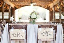 Wedding ideas<3 / by Kristen Hammock