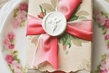 .:It's a wrap:. / Great gift wrapping ideas!
