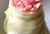 "Wedding Cake, White Chocolate / Elegant molded white chocolate here ... beautiful cakes by amazing designers. For lots of stunning, more informal chocolate cakes brimming over with luscious fruits check out my ""Wedding Cake, Dessert Style"" board. :)"