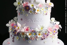 Wedding Cake, Summer Garden / These are cakes that for me evoke the sunshine and warmth of an English garden in summer, ..... scents of lilac, honeysuckle and roses wafting on the breeze, birdsong, butterflies and bees humming .... chinking of glass and cool icy lemonade .... heaven.