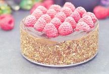 Raw Cakes / baking, gluten free baking, refined sugar free baking, cakes, chocolate, vegan cakes, vegan baking, gluten free cakes, refined sugar free cakes