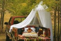 Glamping  / Glamping = camping with glamour