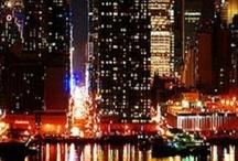 """CITY GIRL / curieusement, si j'ai longtemps rêvé de vivre à la campagne (une chose qui me serait impossible, aujourd'hui...), je suis aussi une fille de la ville : de MA ville, d'abord, une petite ville toute simple, mais que j'adore, mais j'ai aussi eu la chance de pas mal voyager, à une époque (""""avant...""""), et il y a ces villes que j'aime... Paris, Londres, New York, San Francisco... et quelques autres..."""