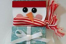 """pour offrir : freebies, inspirations et jolies choses / j'adore faire des cadeaux aux gens que j'aime... même sans raison particulière... juste une babiole, juste pour dire """"je pense à toi"""", parce qu'en la voyant, je me suis dit, """"ça, ça plairait à...""""... mais j'aime aussi les emballages cadeau : choisir boîte ou papier, nouer un joli ruban, chercher l'étiquette qui conviendra le mieux... étiquettes, papiers, boîtes, sacs... vous trouverez ici tout ce qu'il faut pour rendre vos cadeaux encore plus jolis... / by Isabelle de Beukelaer"""