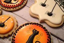 Halloweenie / Halloween decorations, costumes and ideas