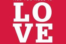 """Valentine's & love : freebies / pour dire """"je t'aime""""... et pas seulement le 14 février : pourquoi faudrait-il attendre un jour particulier pour dire aux gens qu'on aime qu'on les aime ?!?... à utiliser sans modération, n'importe quel jour (et même chaque jour !) de l'année, et pour tous ceux qu'on aime : l'homme ou la femme de sa vie, mais aussi enfants, parents (et toute la famille !), amis, voisins, collègues, boulanger, chien, chat, poisson rouge... peu importe : il ne faut jamais rater une occasion de dire """"je t'aime"""" !.. / by Isabelle de Beukelaer"""