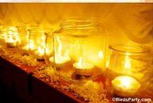 flammes... / j'ai toujours aimé les bougies... la chaleur de la flamme, sa lueur jaune orangé, les ombres dansantes, la lumière diffuse, la pénombre du reste de la pièce... j'adore les bougies flottantes, l'alliance du feu et de l'eau... j'aime les photophores, les bougeoirs, les chandeliers... j'aime les bougies, tout simplement...