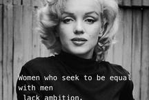 """I {heart} Marilyn / je n'ai jamais été du genre """"fan"""", prête à dépenser des fortunes, à attendre trois jours sous la pluie ou à faire tout et n'importe quoi pour apercevoir 30 secondes une quelconque """"star""""... mais il est des gens dont j'admire le talent, la personnalité, ou l'œuvre... ou, de façon rarissime, les trois... Marilyn Monroe est de celles-là... loin de l'écervelée pathétique que certains en ont fait, c'était une femme - et une artiste - intelligente, sensible et belle... une femme comme il y en a peu..."""