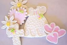 First Holy Communion Ideas / First Holy Communion celebrations and Christening are very important days in every family. Get inspired with our ideas and make sure your day will bring many happy memories. Check our website for great decorations and communion favours: http://www.thebigparty.ie/productgroup/16/first_holy_communion.html