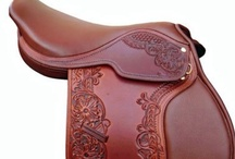 HORSE TACK - SADDLES - RIDING CLOTHES / Everything you want for your riding experience