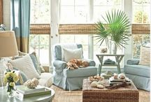 Living rooms / by Paula Hanson