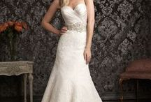 Say yes to the dress / by Melanie Bachhuber