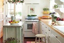 Home - Kitchen Inspiration / la cuisine une pièce à vivre ! ..... couleurs neutres, bois, blanc et qq touches de couleur pour le peps :) ........... des étagères ....