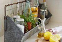 Home - Kitchen details / la Cuisine une pièce à Vivre : accessoires, couleurs, vaisselles, rangements, tableaux ... pour la personnaliser ...
