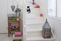 Home - Escaliers / Peinture des marches / rampes base blanc/bois - disposition des tableaux