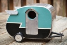 Garden decoration - birdhouses / Here are some lovely ideas for birdhouses you can build to attract birds to your garden. They can make a great garden focal point too.