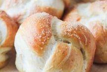 Bread / by Annie Vuong