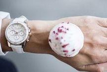 Kobiece stylizacje na wieczór / Gdziekolwiek wybierasz się wieczorem - zabierz ze sobą zegarek idealnie pasujący do Twojej wieczorowej kreacji! :)  Butiki Swiss. #butikiswiss