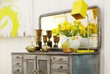 Stylish Home Decor / Decor, great styling, beautiful furniture, awesome rooms, vignettes, all these things make me happy.