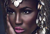Make-Up Artistry / by DeePrettyLover