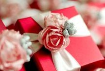 Gift Wrapping Ideas / by glamorous diva