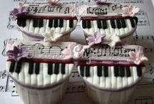 Cakes: Make a Joyful Noise & / by glamorous diva