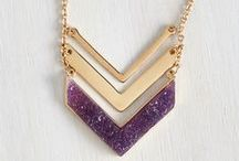 JEWELRY & ACCESSORIES / Jewelry, Accessories, Scarves, Earrings, Necklaces, Rings, Hats, Bags