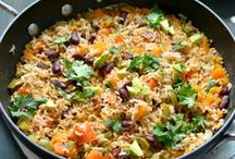 Quinoa Recipes / Healthy recipes made with quinoa in many different ways (breakfast, lunch, salads, snacks, smoothies, dinner, etc.)  For more of my own ideas, follow me at The Whole Happy Life!