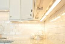 Home | Kitchen Updates / DIY tutorials on how to paint, repair, and update kitchen cabinets.