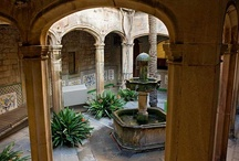 Barcelona's Old City / Photos related to the medieval part of Barcelona and the Gothic Quarter