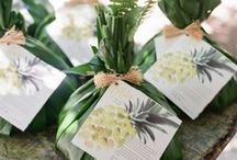 Wedding | Favors / Favor inspiration to treat your guests a sweet momento from your wedding day.