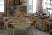doll houses and miniatures  / by Kathleen Jarrach