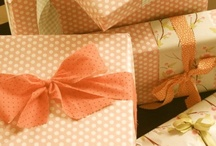 Gift Wrapping / Have a gift you want to wrap? I love to give a beautiful present, so I need inspiration