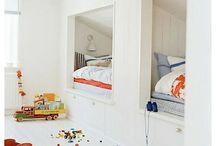 Dormitorio Buñuelos / Tengo un dormitorio para mis hijos, y busco una manera de aprovechar el espacio y a la vez darle a cada uno su lugar... hoy duermen juntos en una cama de plaza y media.