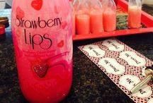 Strawberry lips travels