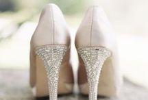 Bonita Complementos; zapatos / Aquí te dejamos algunas ideas de zapatos para tu matrimonio. Los que tienen ** al principio, puedes hacer click en la foto y comprarlos.