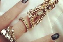 rings & sparkly things / by Carly Antonietta