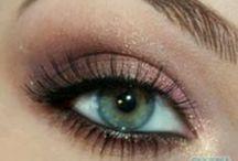 Make-Up! / by Kayla Kilar