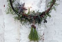 getting fresh | christmas wreaths / devoted to all the ways to decorate a wreath for the holidays