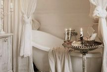 Beautiful bathrooms / by Fiona McArthur