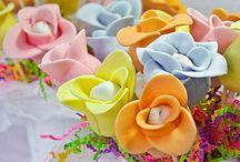 Cake pops / by Tiffany Doolittle